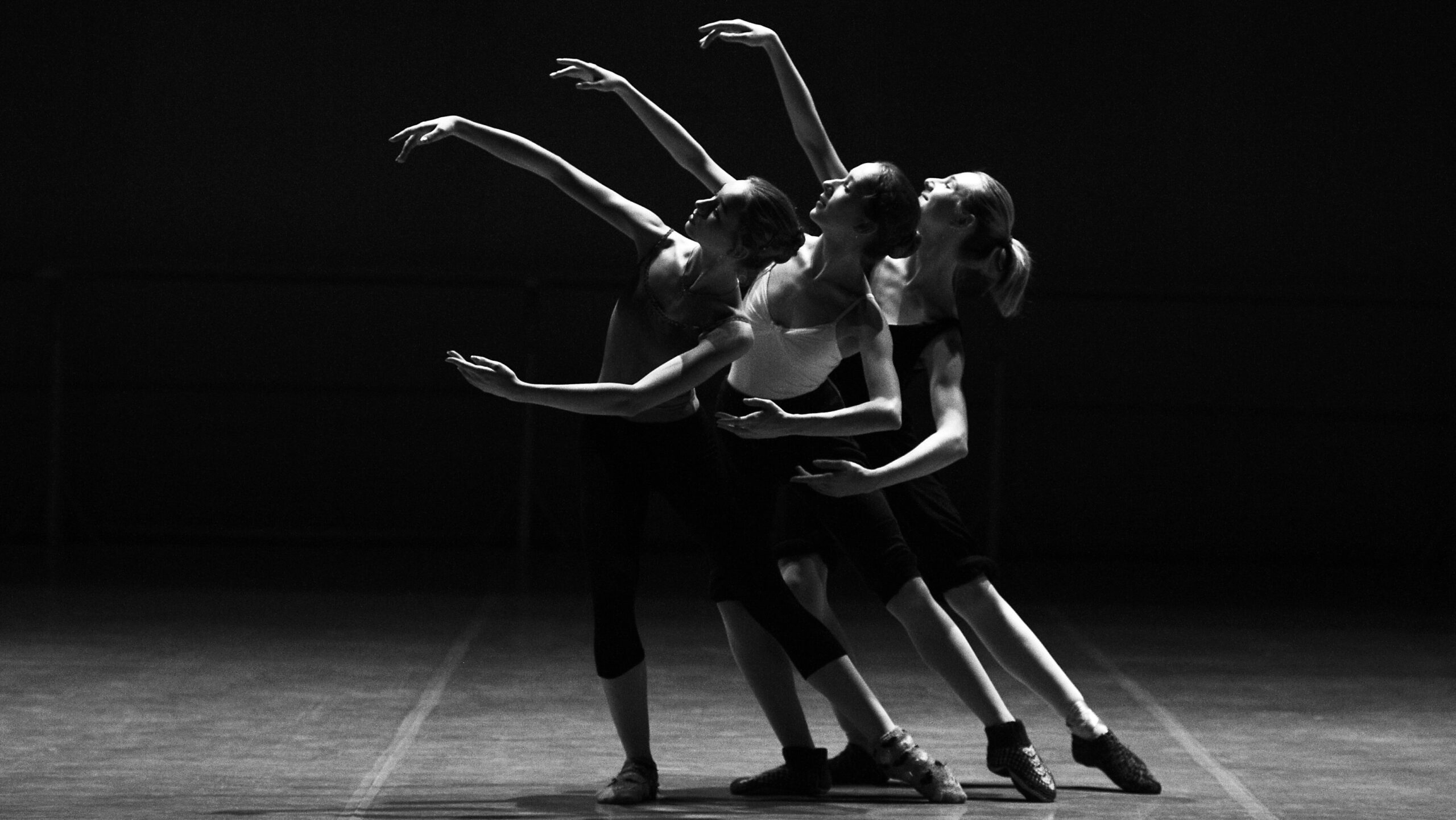Contemporary Dance Workshops for Schools