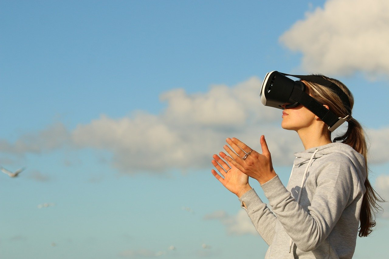 Virtual Reality Workshops for Schools.
