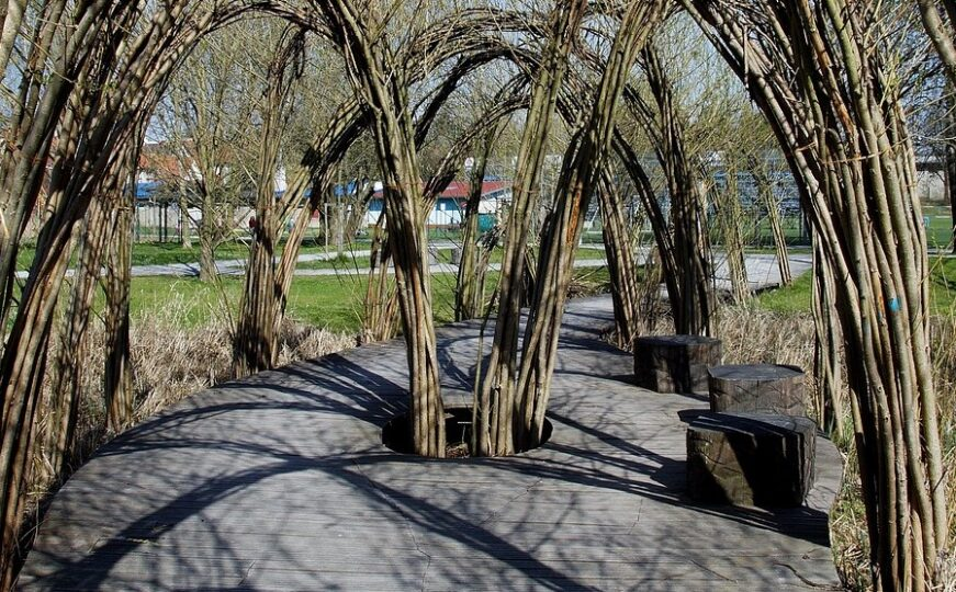 willow sculpture